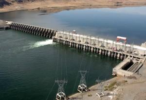 An equipment malfunction at Priest Rapids Dam in Washington injured 6 people.