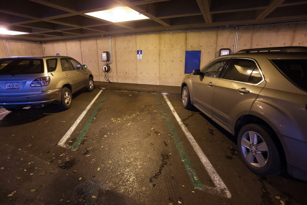 Federally funded car-charging stations little used | The Columbian
