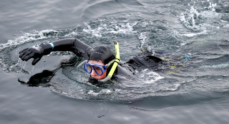 Man Swims Duwamish River The Columbian