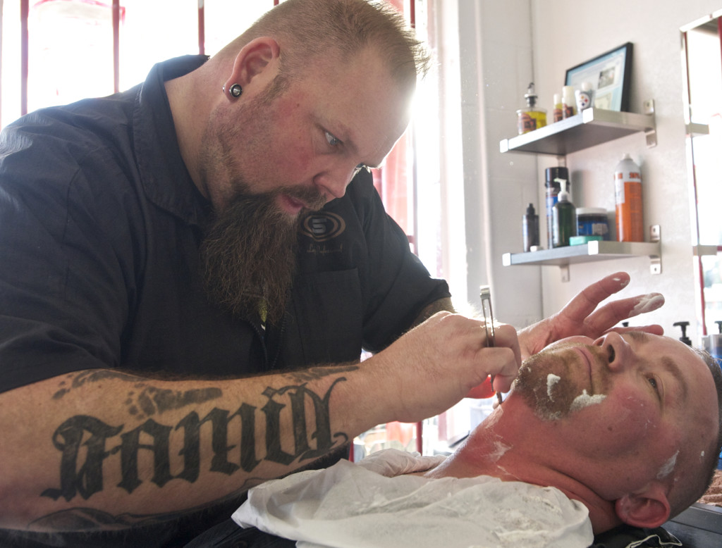 Man Cave Barber Williams Lake : Vancouver barbershop s straight razor shaves a relaxing treat