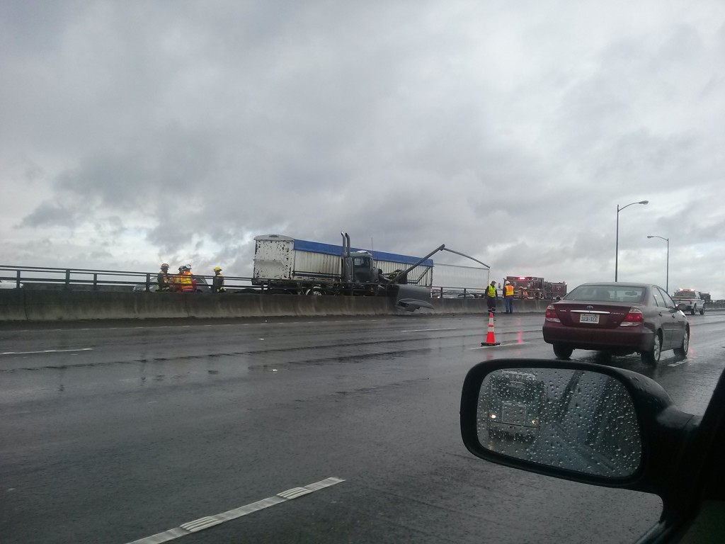 I-205 accident causes lingering traffic woes   The Columbian
