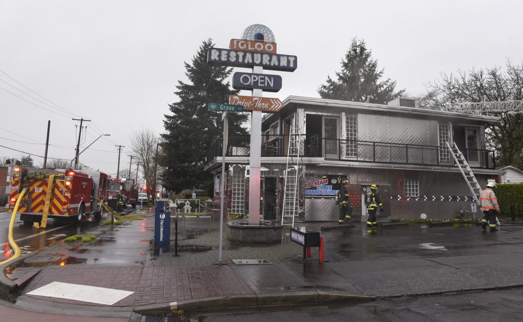 fire damages igloo restaurant in vancouver the columbian. Black Bedroom Furniture Sets. Home Design Ideas