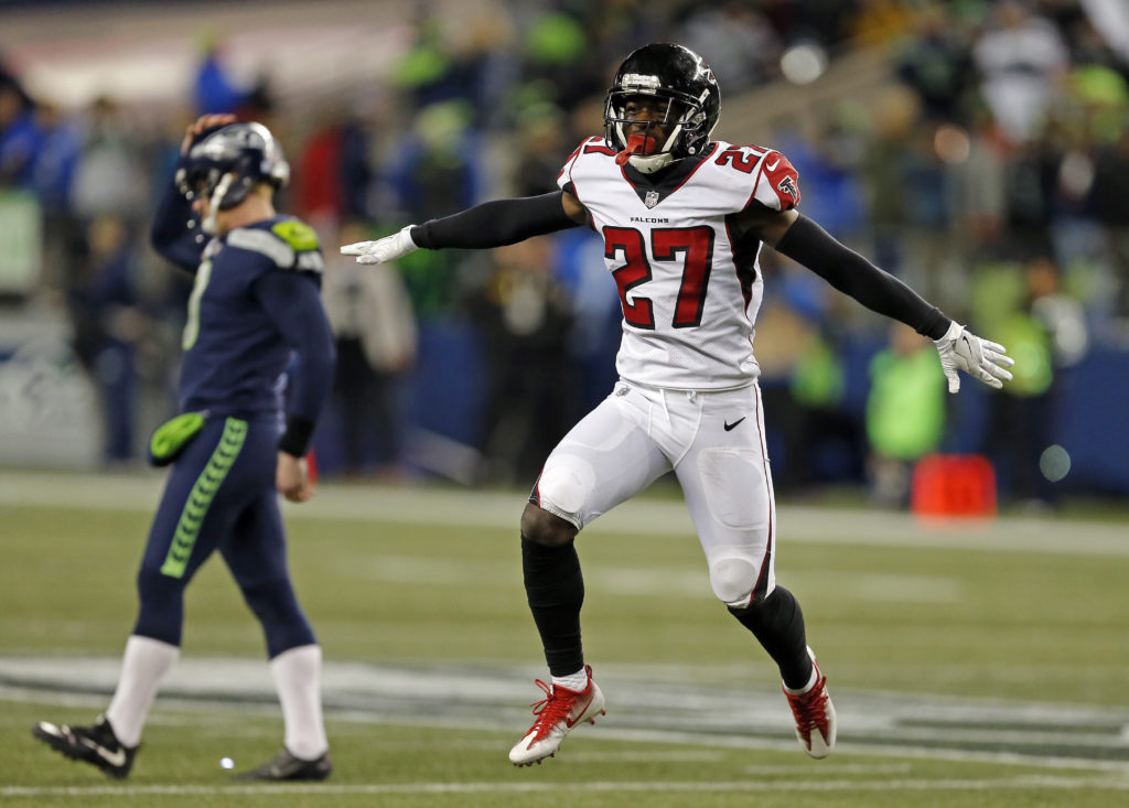 ... Atlanta Falcons Damontae Kazee (27) reacts to a missed field goal as  Seattle Seahawks ... 168d66aba