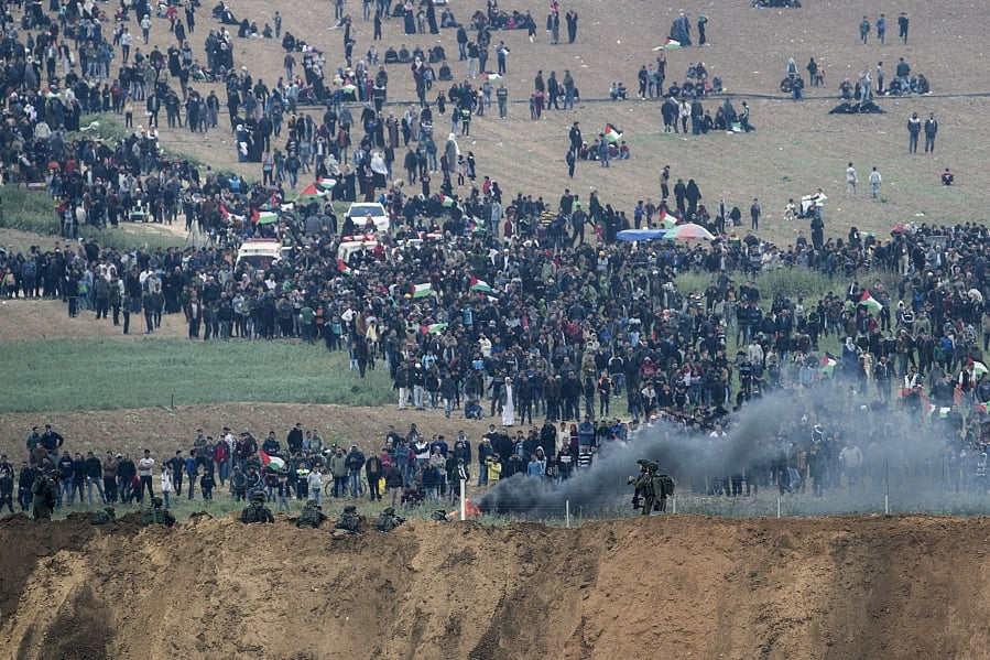 Gazan killed, two injured attempting to engage with border fence