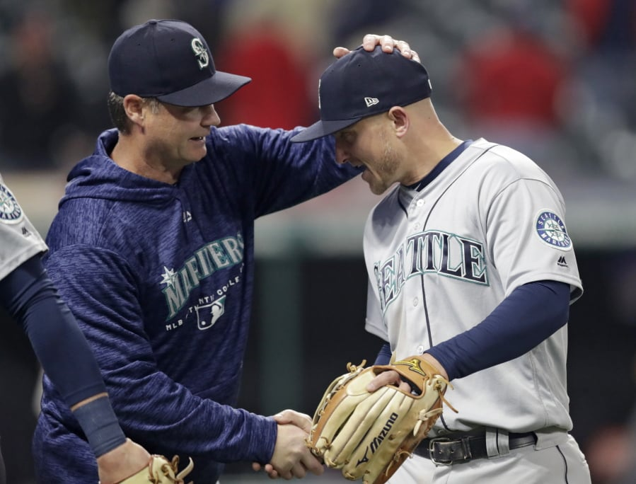 Mariners jump on Carrasco early in rout of Indians
