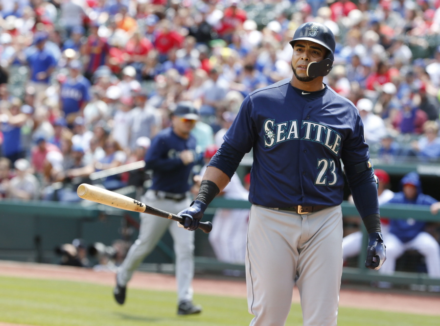 Mariners can't complete sweep against Rangers