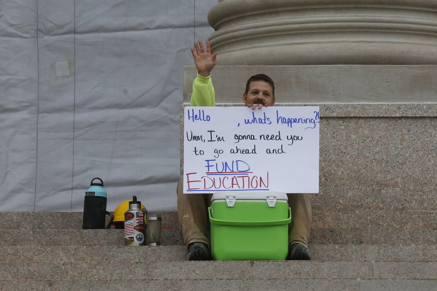 Oklahoma Senate Uses up tax hike to halt # 039 Weeklong teachers &; strike