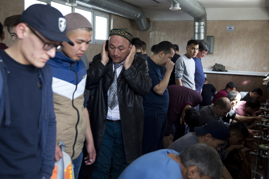 Chinese mass indoctrination camps evoke cultural revolution the since 2016 chinese authorities in the heavily muslim region of xinjiang have ensnared tens possibly hundreds of thousands sciox Choice Image