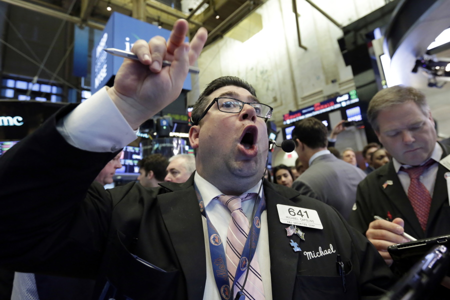 United States stocks close higher amid data, earnings