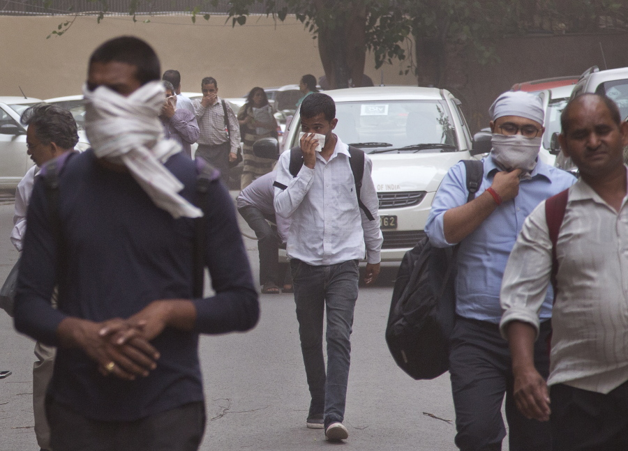 India dust storms: Many people killed