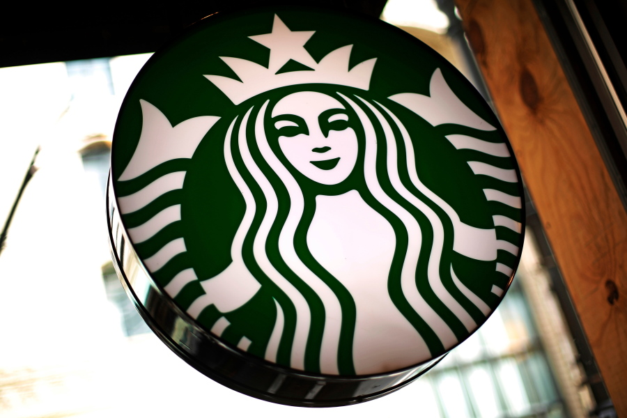 Nestlé to sell Starbucks coffee after signing $7bn deal