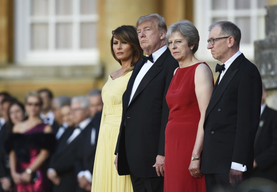 Trump balloon appears before UK visit; embassy warns Americans to keep heads down
