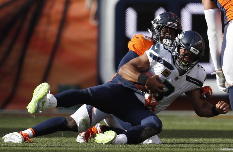 Seahawks lose to Broncos 24-27 in season opener