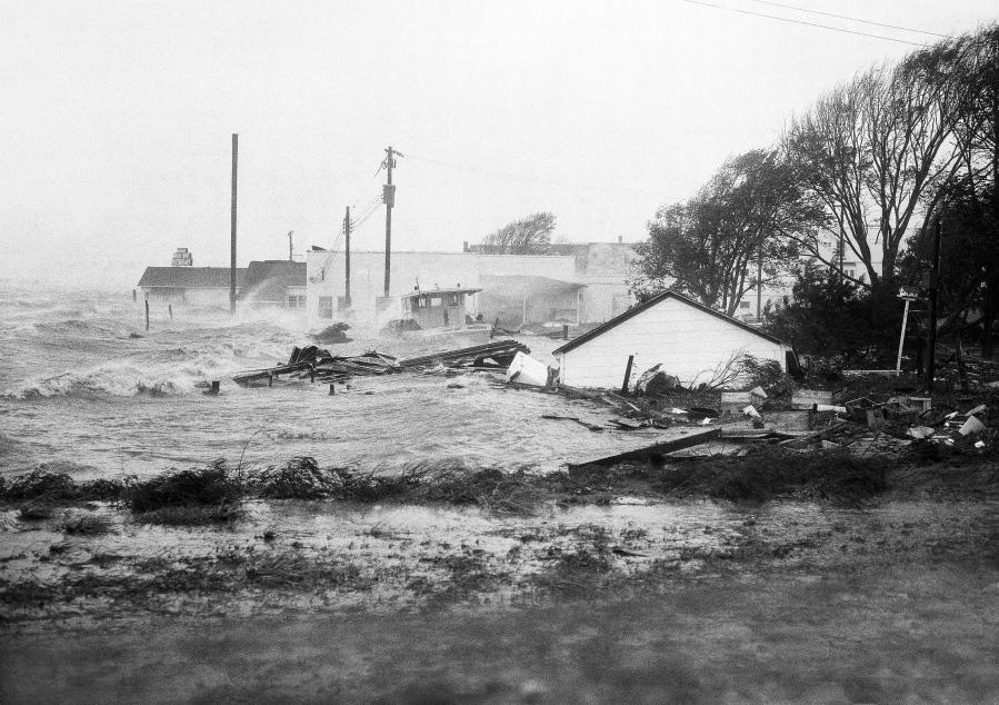 Hurricane Florence impacts college football games in Carolinas, Virginia