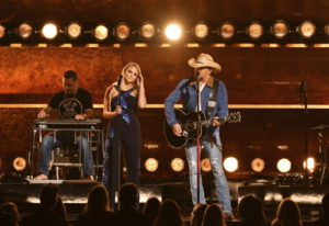 """Miranda Lambert, left, and Jason Aldean perform """"Drowns the Whiskey"""" at the 52nd annual CMA Awards a"""
