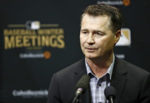Seattle Mariners manager Scott Servais speaks at a news conference during Major League Baseball wint
